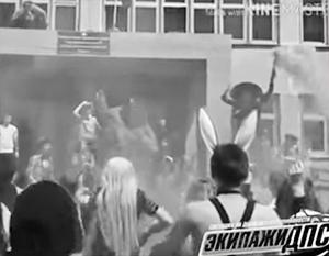 От видео из приморской школы перевозбудились по всей стране