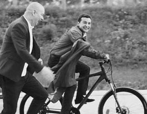 Зеленский выбрал для своей партии логотип человечка с велосипедом. Куда же заведет страну этот велосипедист?