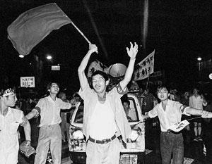Протестуюшие на Тяньаньмэнь 24 мая 1989 года
