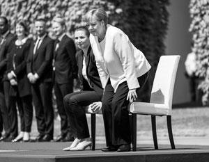 Меркель на церемонии встречи премьер-министра Дании Метте Фредериксен