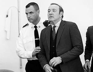 Прокуратура отказалась от обвинений в адрес Кевина Спейси