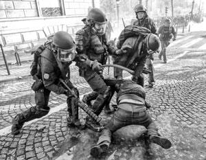 МИД России напомнил, что разгоны «желтых жилетов» во Франции привели к 11 смертям