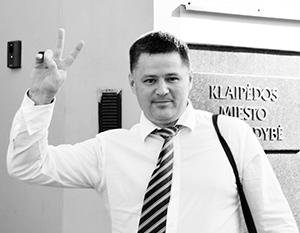 Политик Вячеслав Титов подвергается постоянной травле со стороны литовских властей