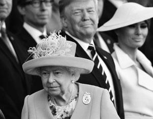 Трамп испортил Елизавете II лужайку
