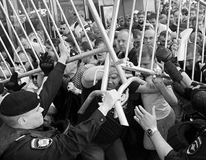 Российская полиция действовала куда корректнее американских «копов» в подобных ситуациях