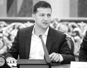 Позиция Зеленского по поводу Донбасса пока мало отличается от позиции Порошенко