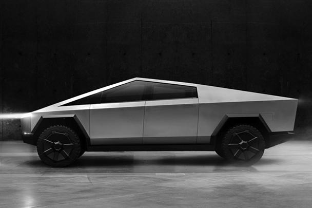Глава Tesla Илон Маск представил Cybertruck – мощный футуристический пикап, который позволит компании побороться за самый популярный в США сегмент автомобилей. Дизайн машины был вдохновлен фильмом Ридли Скотта «Бегущий по лезвию» 1982 года