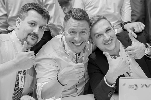 В Подмосковье завершился третий сезон конкурса управленцев «Лидеры России». В течение двух дней 300 участников из десятка регионов решали задачи от именитых наставников. Каждое испытание позволяло проявить свои лучшие компетенции. Суперфиналистов ждали сразу несколько интересных встреч и церемония награждения