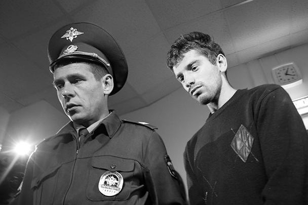 Вот он – тот самый Магомед Магомедов, который подозревается в изнасиловании 15-летней девочки на Дорогомиловском рынке Москвы, и задержание которого вылилось в настоящее побоище