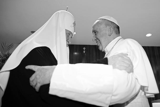 Первая в истории встреча патриарха Московского и всея Руси Кирилла и папы римского Франциска прошла на Кубе. СМИ ее назвали встречей тысячелетия. По ее итогам предстоятели двух Церквей приняли совместную декларацию, в которой обозначили основные проблемы современного христианства