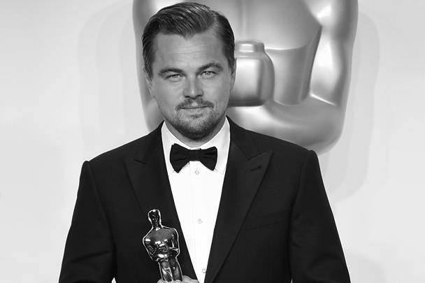 Леонардо Ди Каприо получил свою первую премию «Оскар». Его отметили за лучшую мужскую роль в драме «Выживший». Среди других триумфаторов: лучший фильм «В центре внимания», лучший режиссер Алехандро Гонсалес Иньярриту и лучшая актриса Бри Ларсон, сыгравшая в фильме «Комната»