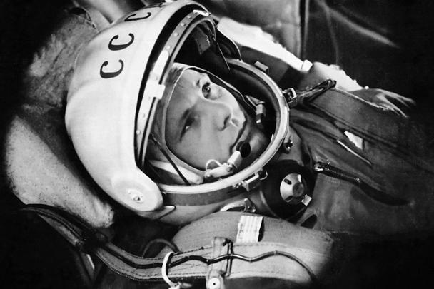 Мир отмечает 55-летие со дня начала космической эры человечества – первого полета человека в космос. 12 апреля 1961 года на орбиту отправился Юрий Гагарин. Роскосмос выложил в Сеть архивные фото. В России и многих других странах проходят праздничные мероприятия