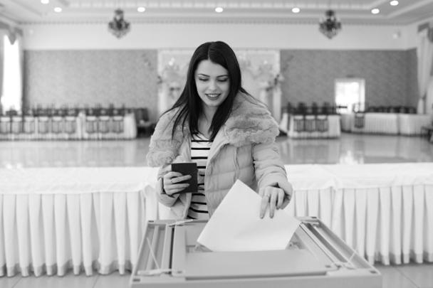 Активность населения на выборах оказалась на удивление высокой: уже к 17 часам она превысила половину от общего числа избирателей. На многих участках наблюдалось буквально столпотворение. Очень высокой явка оказалась в Крыму, в том числе и в Бахчисарае, где компактно проживает много татар