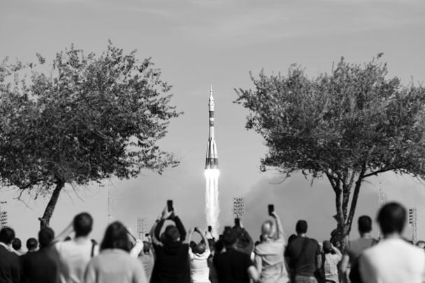 Во время старта с Байконура ракеты «Союз-ФГ» с кораблем «Союз МС-10» с космонавтами произошла авария носителя. Членам нового экипажа МКС пришлось совершить аварийную посадку в Казахстане. Космонавт Алексей Овчинин и астронавт Ник Хейг не пострадали