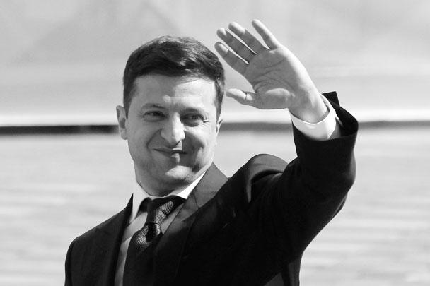 Экс-шоумен Владимир Зеленский вступил в должность президента Украины. В первой речи в новом качестве он назвал всех украинцев президентами, пообещал добиться мира в Донбассе, приведя в пример сборную Исландии по футболу, и распустил Раду