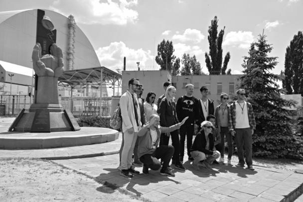 После выхода британского мини-сериала «Чернобыль» поток туристов в Чернобыльскую зону отчуждения вырос в разы. В Припять массово возят групповые экскурсии, а в соцсетях можно найти тысячи фотографий посетителей Зоны