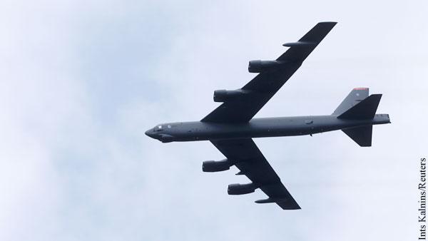 Американский B-52 сымитировал бомбардировку Крыма