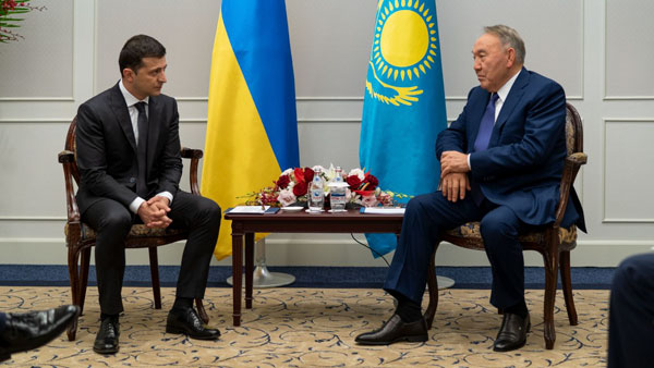 Назарбаев отбирает у Лукашенко возможность помирить Россию и Украину