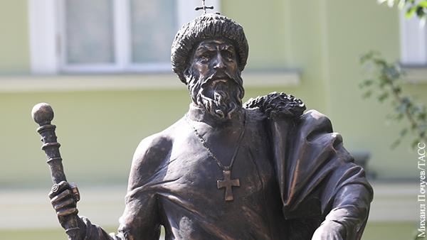 Политика: Иван Грозный вернулся в свою столицу