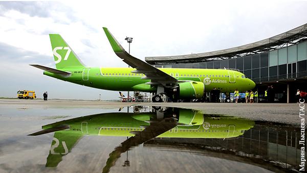 Двигатель самолета загорелся перед взлетом в аэропорту Новосибирска