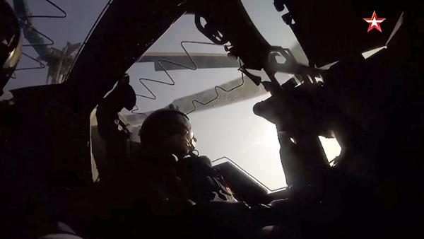 Фигуры высшего пилотажа на «Аллигаторе» показали глазами летчика