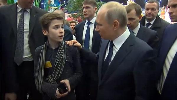 Воспитанник московского детдома попросил Путина помочь ему вернуться к бабушке