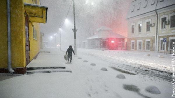 Москвичам пообещали до 8 см снега к утру вторника