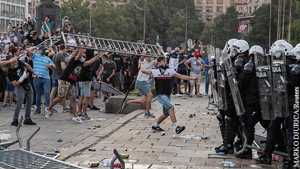 Стало известно об участии в беспорядках в Белграде наемников из американской Blackwater