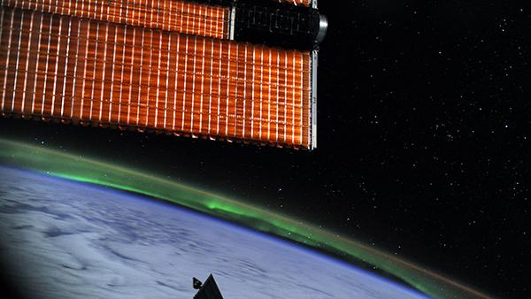 Россия провела в космосе испытания нового спутника-инспектора