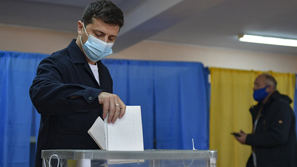 Голос Зеленского на Украине значит все меньше
