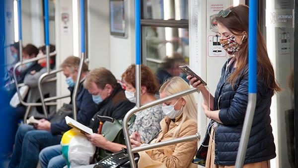 По всей России введен всеобщий масочный режим