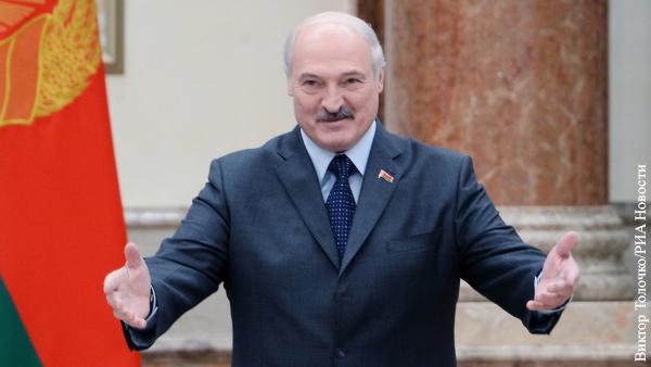 В мире: Лукашенко демонстративно избавится от ненужных полномочий