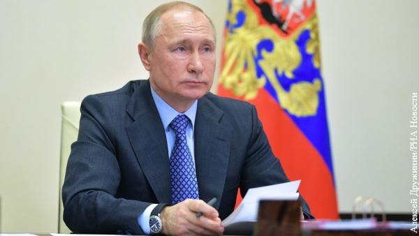 Путин внес в Госдуму проект о запрете иностранного гражданства для военных и госслужащих
