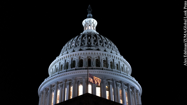 Палата представителей Конгресса США поддержала импичмент Трампа