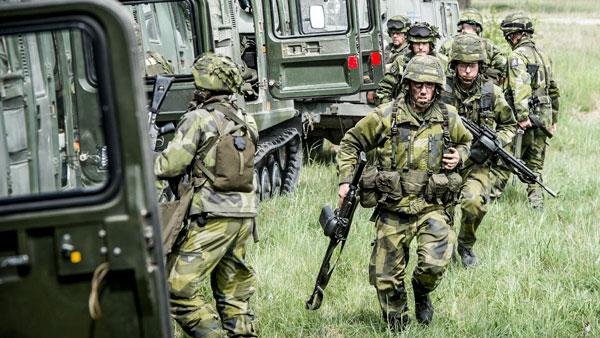 Большинство шведов по-прежнему не поддерживают идею вступления страны в НАТО, однако это не мешает враждебно относиться к России