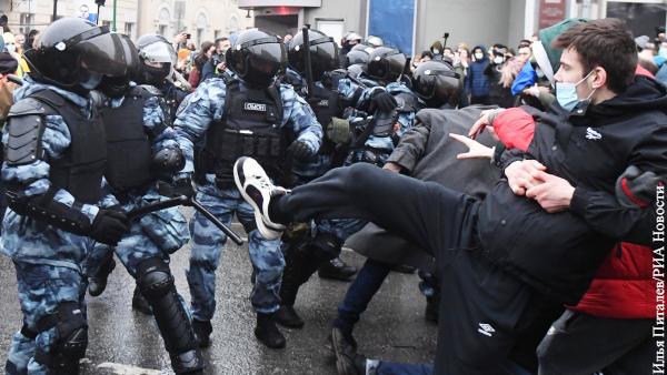 Во время незаконных акций сторонников Навального действовали подготовленные  провокаторы