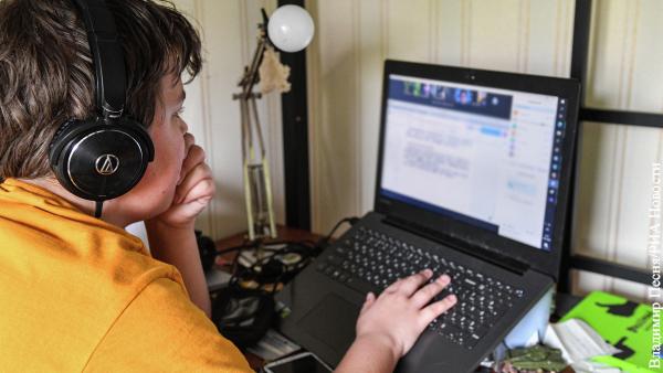 Психолог рассказал, как правильно ограничивать пребывание ребенка в Интернете