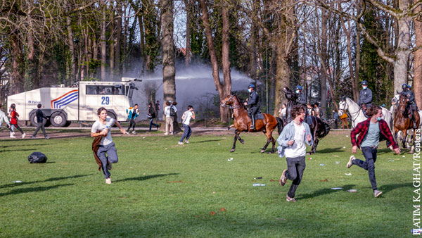 Беспорядки начались в Брюсселе после первоапрельской шутки