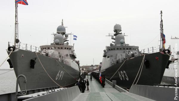 Россия направила из Каспийского в Черное море 15 военных кораблей