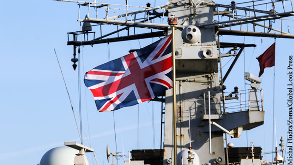 Британия собралась направить военные корабли в Черное море