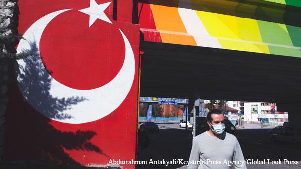 В Турции объявили полный локдаун