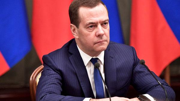 Медведев напомнил об опыте стендапа у властей Украины
