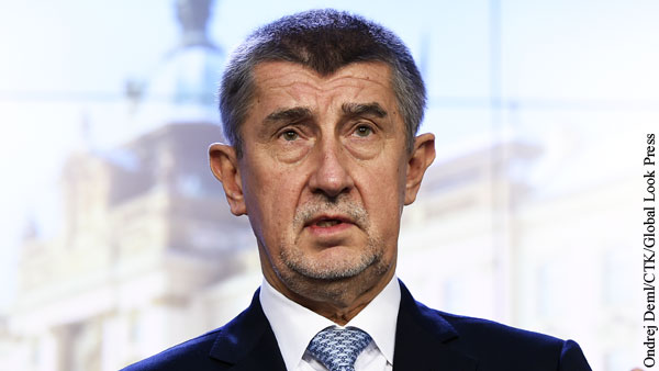 Премьер Чехии поспорил с Земаном о версиях взрывов во Врбетице