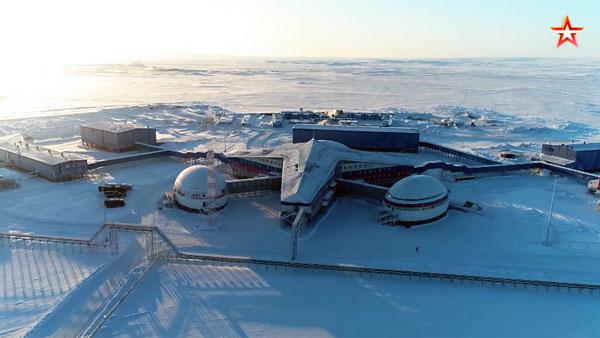 Иностранные журналисты впервые увидели российский Арктический трилистник