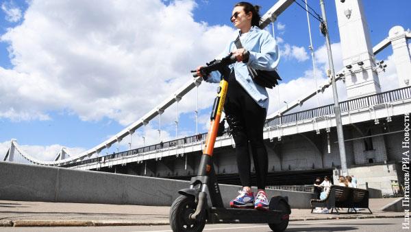 Власти Москвы предложили меры по регулированию езды на электросамокатах