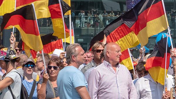 Мнения: В Германии любая идея рано или поздно становится фашистской
