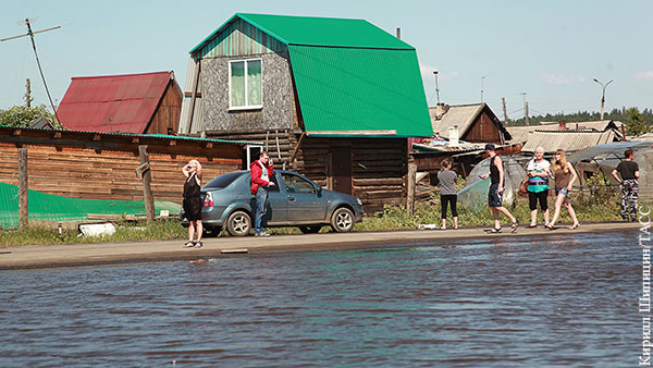 Уровень воды в затопившей Тулун реке поднялся выше критической отметки