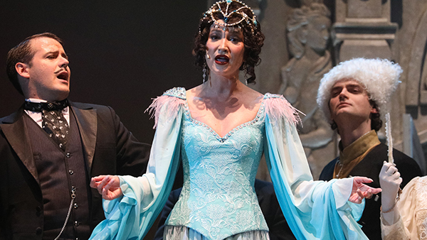 Безруков оценил спектакль с Бузовой на сцене МХАТа