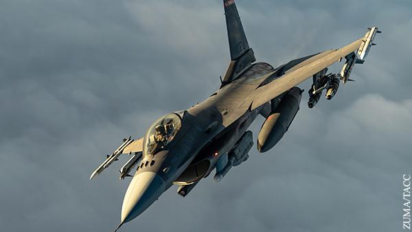 Истребители F-16 осваиваются по периметру российских границ