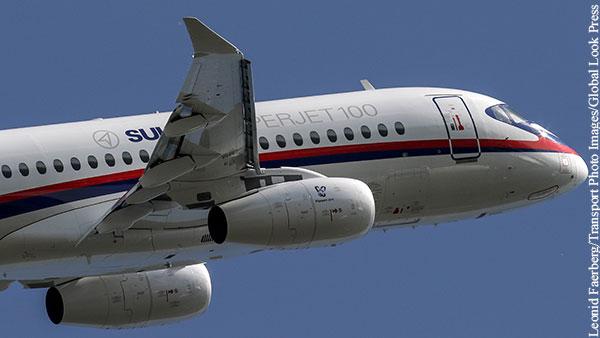 SSJ 100 подал сигнал тревоги и экстренно сел в Казани
